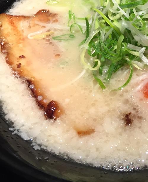 麺'room 神虎 神虎らーめん 背脂